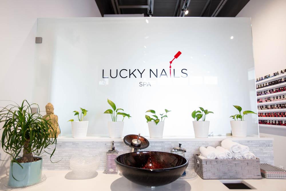 Darkhorse Lucky Nails Salon IMG_4303 225
